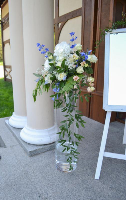 dekoracja-przed-wejscie-sala-weselna
