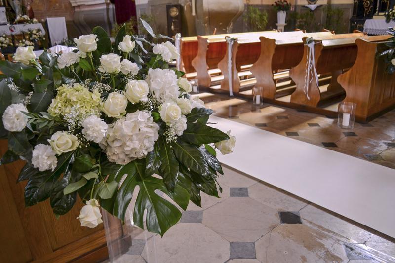 hortensja-dekoracja-kosciola