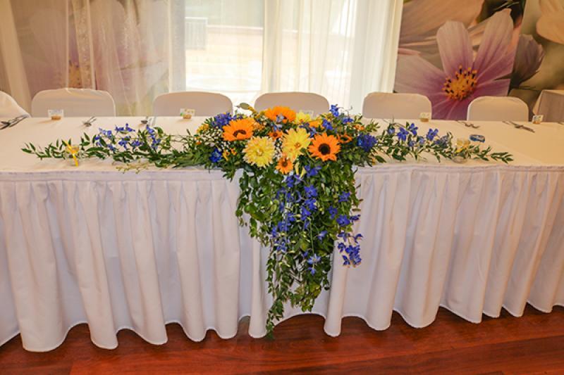 ostróżka słoneczniki stół młodych