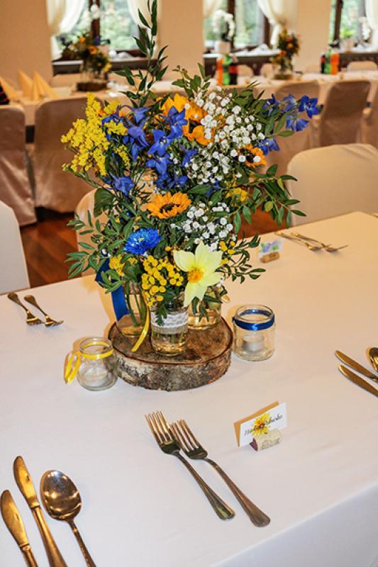 rustykalna dekoracja stołu słoneczniki