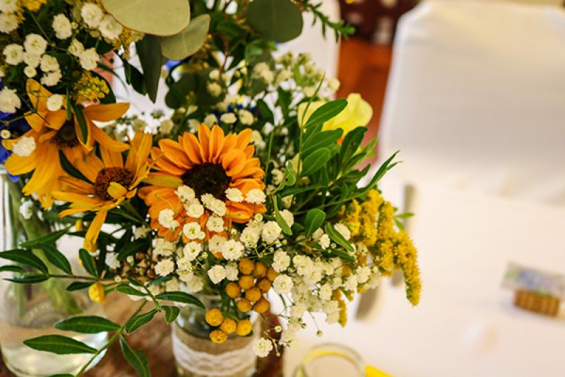 rustykalne dekoracje słoneczniki wesele warszawa