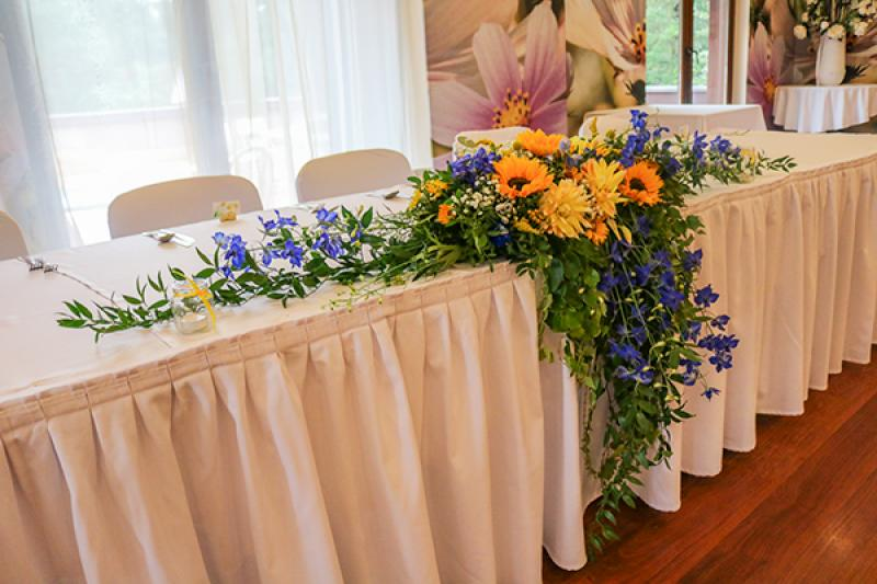 rustykalny stół pary młodej warszawa słoneczniki