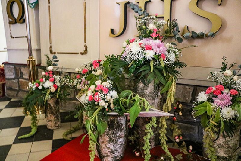boho kwiaty kościół dekoracje ślubne warszawa