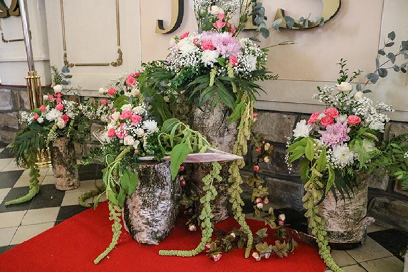 dekoracja kościoła warszawa  pieńki