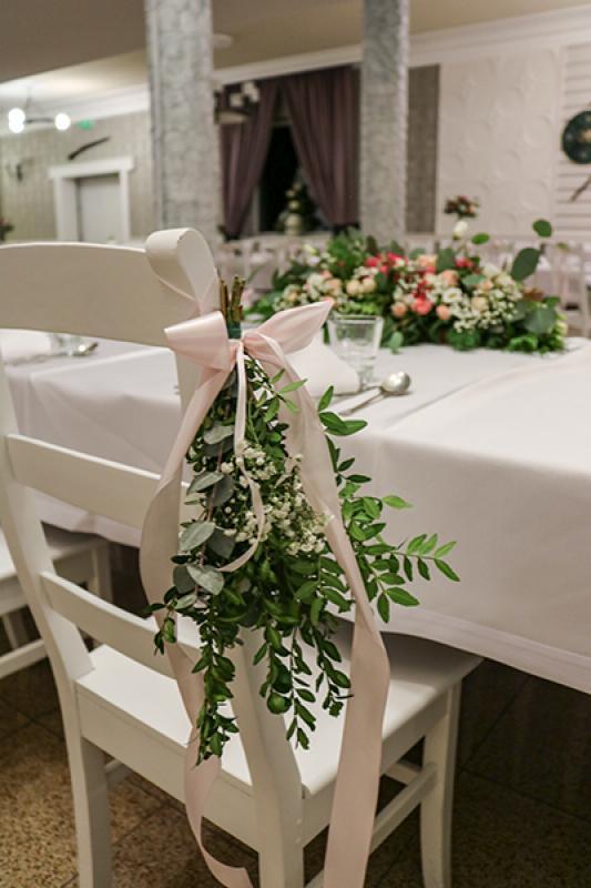 dekoracja krzeseł młodych warszawa