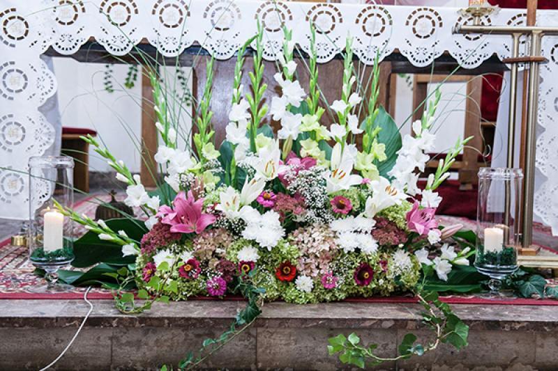 dekoracja kościoła przed ołtarz warszawa