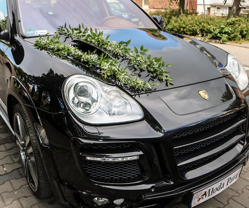 dekoracja samochodu gipsówka