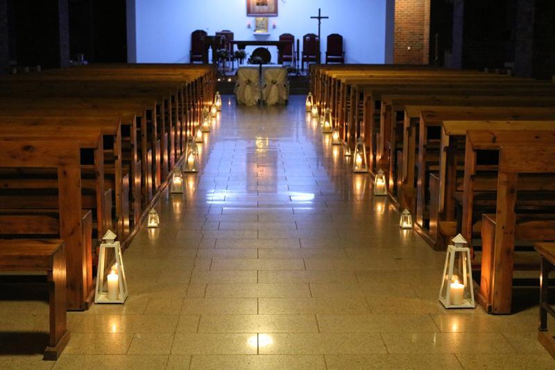 dekoracja kościoła latarnie