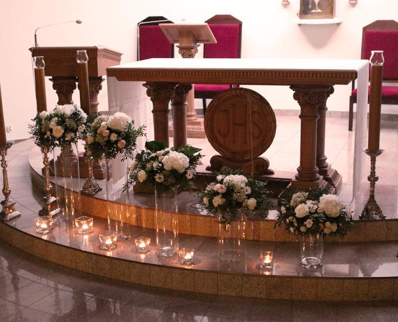dekoracja kościoła ślub ząbki