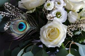 bukiet ślubny warszawa róże pióra
