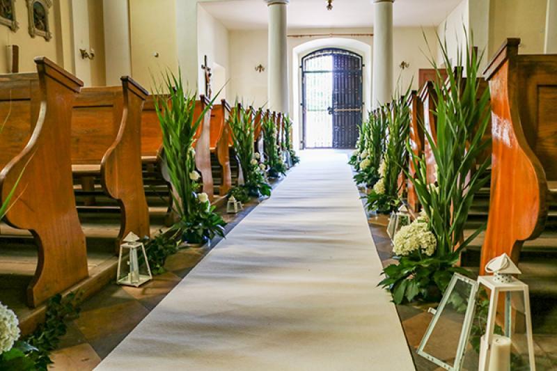 dekoracja alejki ślub Biało-zielony ślub warszawa