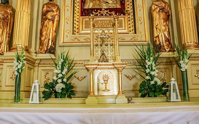 dekoracja kościoła na ślub warszawa