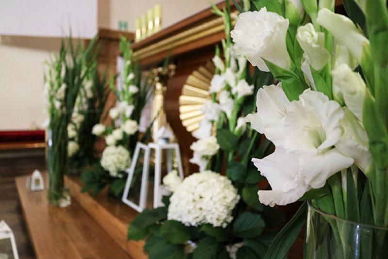 dekoracja ołtarz ślub warszawa biało zielone dekoracje ślubne
