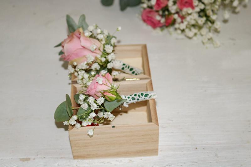 butonierki ślub warszawa róża