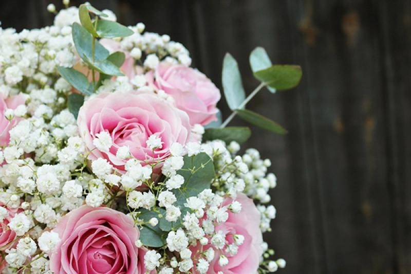 róża różowa gipsówka bukiet ślubny warszawa