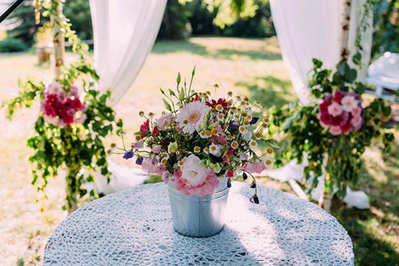 ślub plenerowy warszawa  kwiaty boho