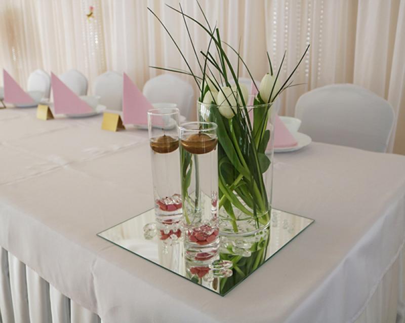 dekoracja sali weselnej warszawa stół tulipany
