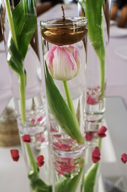 tulipany wesele warszawa  zalane świeczki