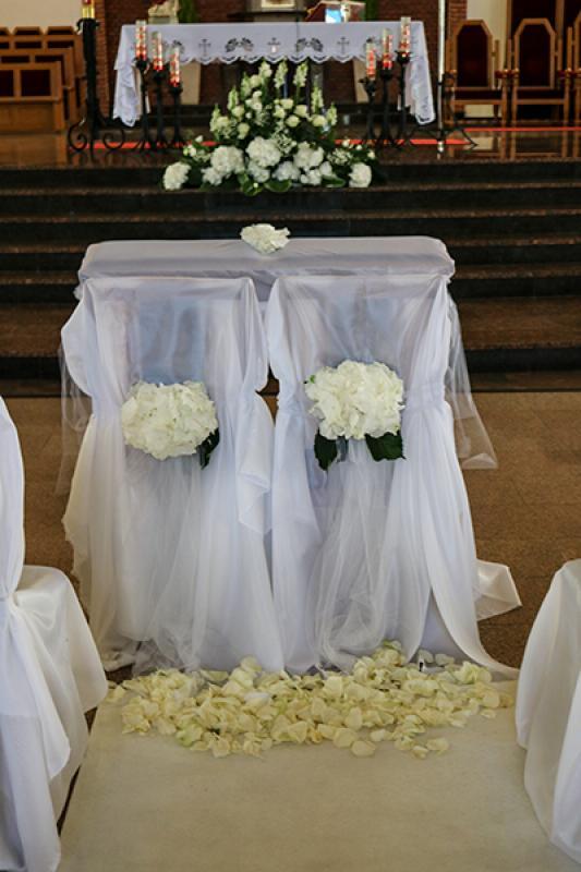 dekoracja kościoła ślub warszawa  hortensja biała