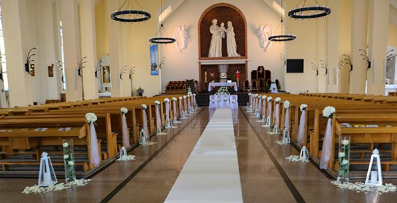 dekoracja kościoła ślub warszawa  hortensja latarnie