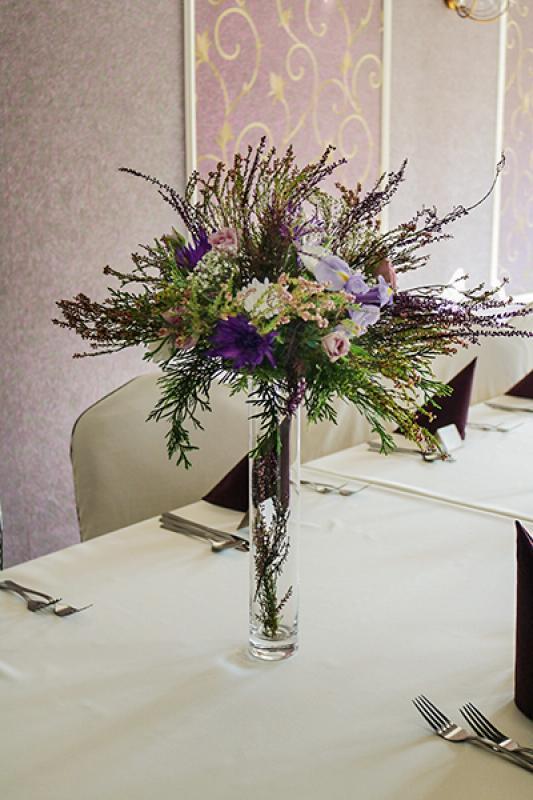 dekoracja stołów wrzos wesele