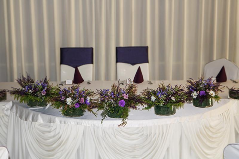 dekoracja stołu młodych wrzos