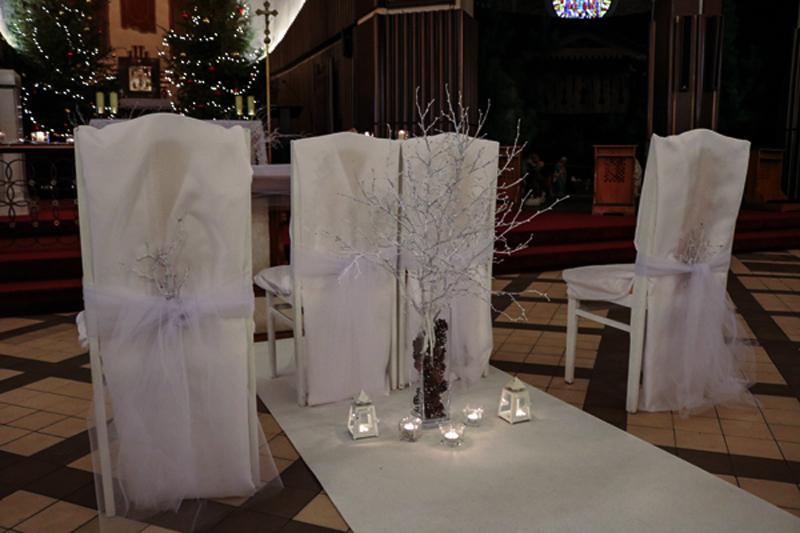 zimowa dekoracja krzesła młodych