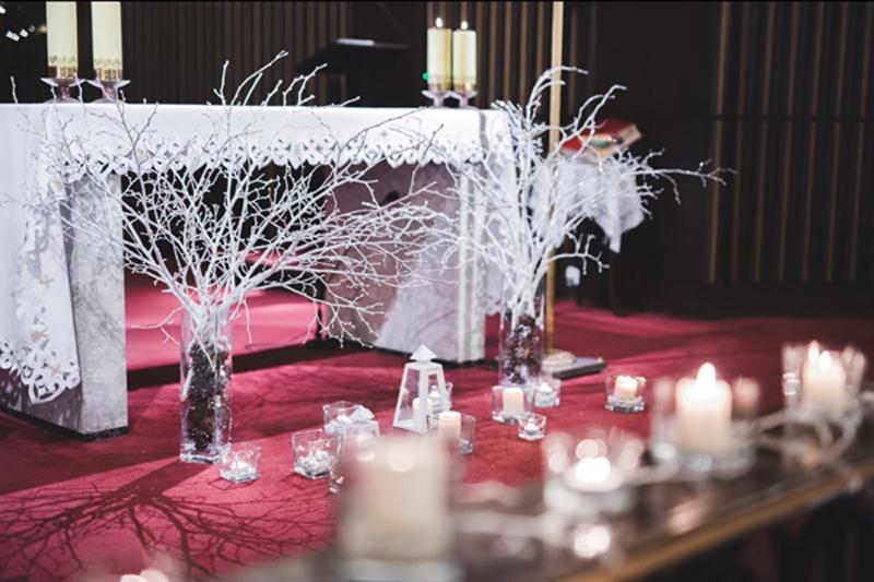 zimowa dekoracja ołtarza