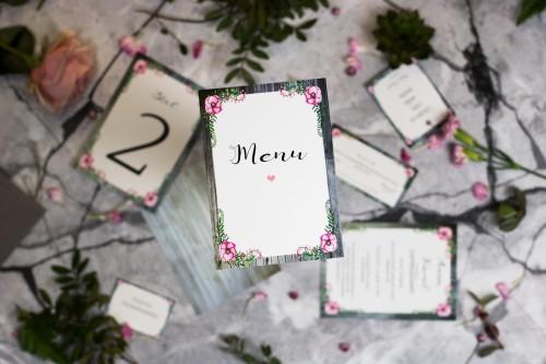 menu-na-wesele-szare-deski