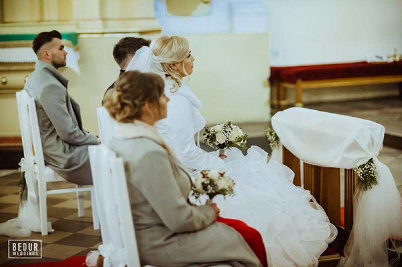 zimowy ślub para młoda kwiaty warszawa